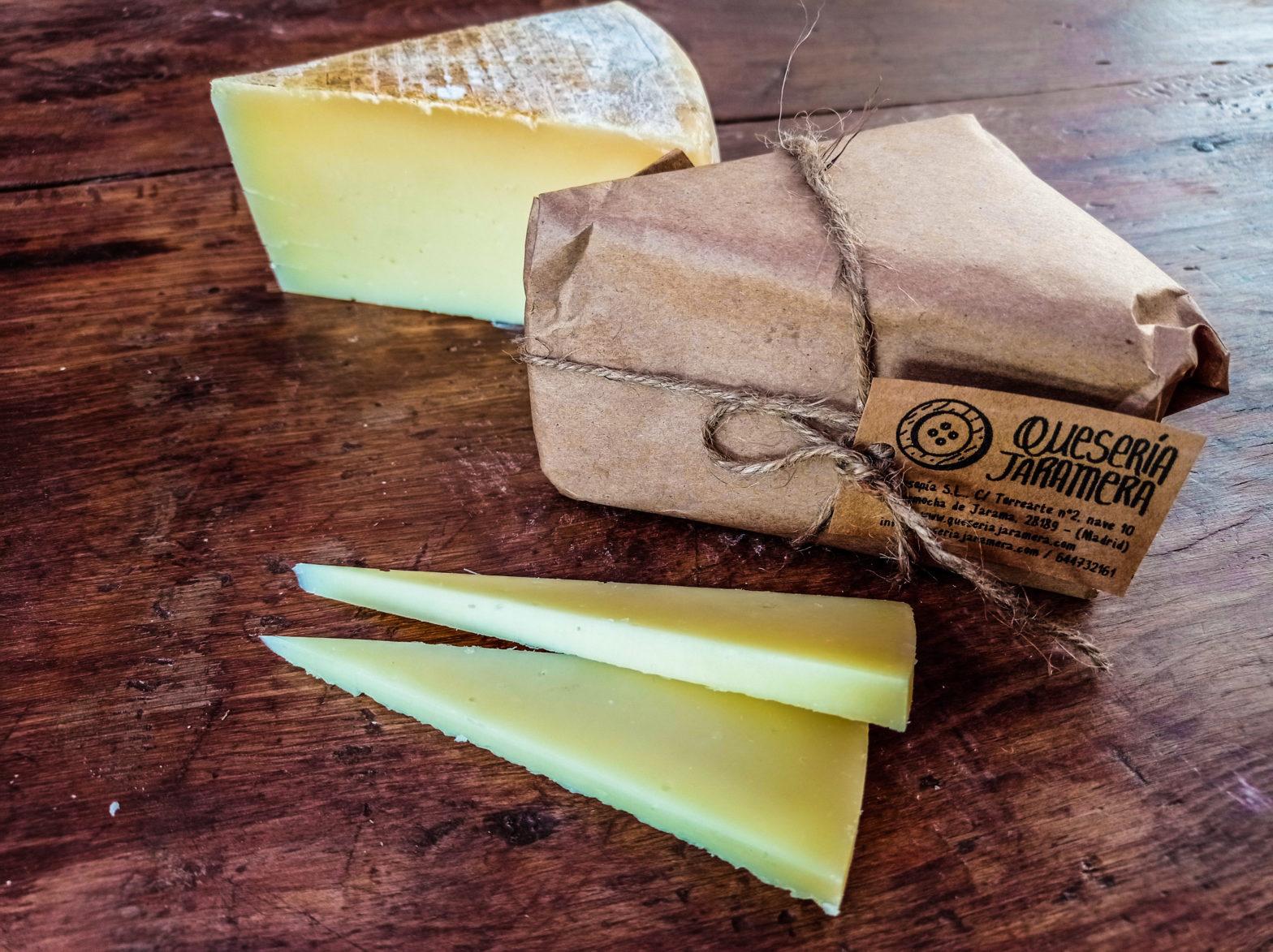 Mito queso pasta cocida madurado en cueva